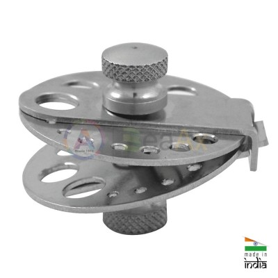 Metal pearl clamp used for the general support of pearls while drilling or fitting
