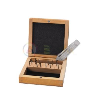 Maschi e filiera 15 pz acciaio 14 misure ø 0.70 a 2.00 mm con custodia in legno